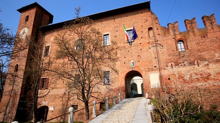 Tutti i castelli medievali lungo il Naviglio Pavese