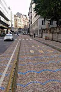Corsi d'acqua disegnati per terra, San Francisco copia Milano