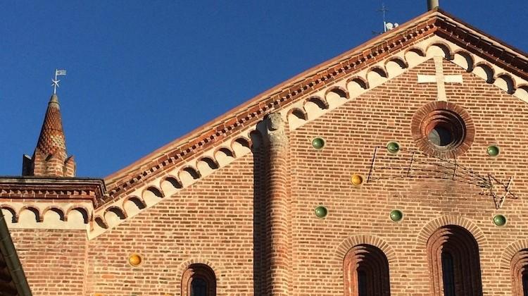 La chiesa rossa di Crescenzago, perla medievale in Martesana